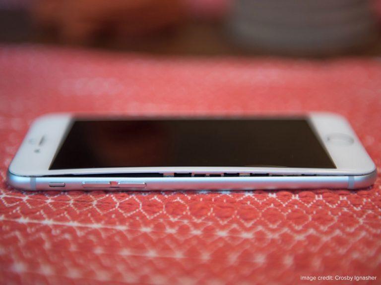 iPhone screen gap